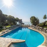 Outdoor pool - View to the sea