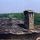 Granitis, traditional stone roof