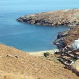 Petroussa is a small beach on the southest edge of Kythnos