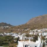 Livadakia, this village and the neighbouring Livadi have seasides in the same closed-in bay
