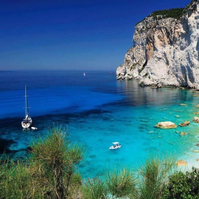how to get to the island of paxi grece